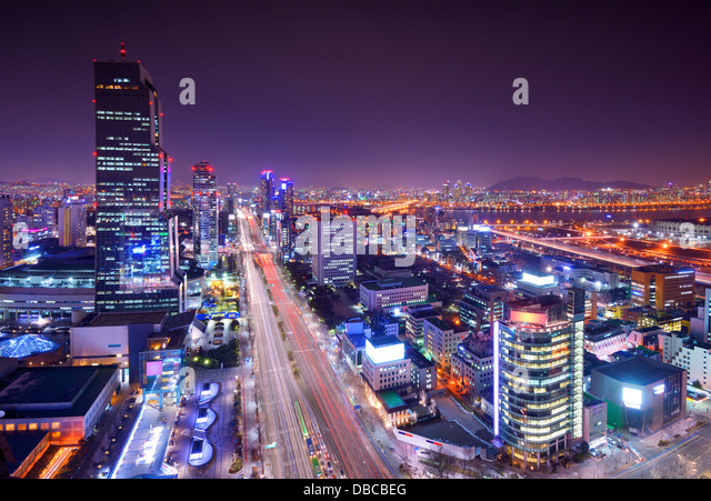Gangnam District, Seoul, Südkorea-Skyline bei Nacht. Stockbild