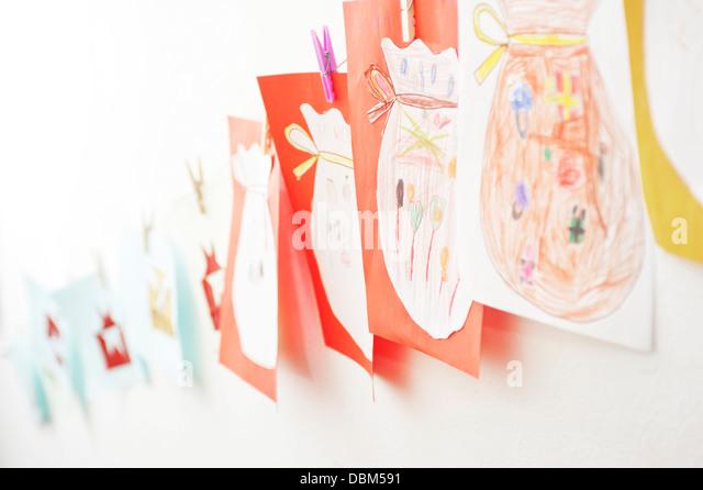 Kinder-Zeichnungen auf Wand, Kottgeisering, Bayern, Deutschland, Europa Stockbild