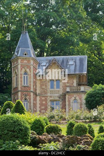 """Von Alexandre Dumas in die Gärten von Schloss """"Monte Cristo"""" bestellt 'Château d' kleinen Stockbild"""