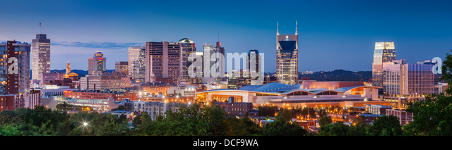 Dämmerung über Nashville Tennessee, USA Stockbild