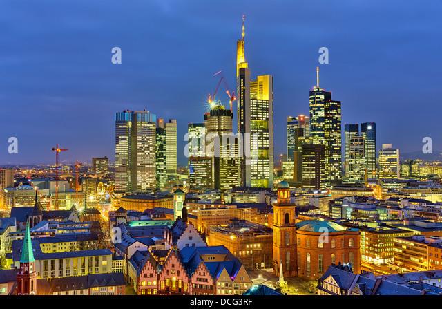 Frankfurt bei Nacht Stockbild