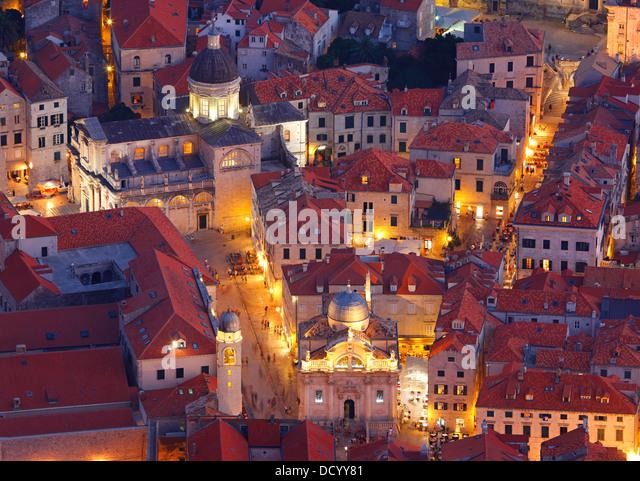 Dubrovnik Kroatien. Luza Square und Kathedrale der Himmelfahrt der Jungfrau Maria. - Stock-Bilder