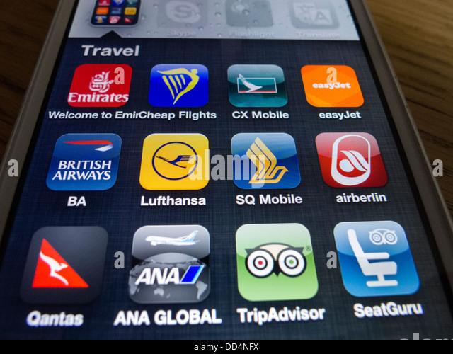 Detail von vielen Reise- und Airline apps auf ein iPhone 5 Smartphone Stockbild