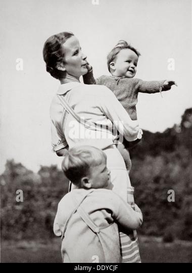 """""""Eine glückliche Mutter, einer nationalen sozialistischen Ideal"""", Deutschland, 1936. Künstler: Stockbild"""