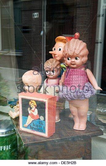 Malle Babbe Antiquar, Bakenessergracht Street, Haarlem, Niederlande Stockbild