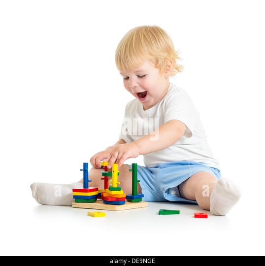 Kind spielen logische Bildung Spielzeug mit großem Interesse Stockbild