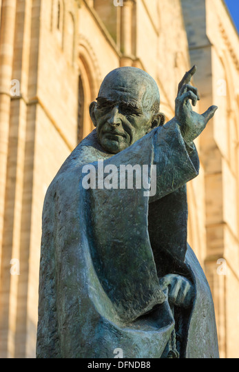 Statue von St. Richard Chichester Kathedrale Chichester West Sussex England Stockbild