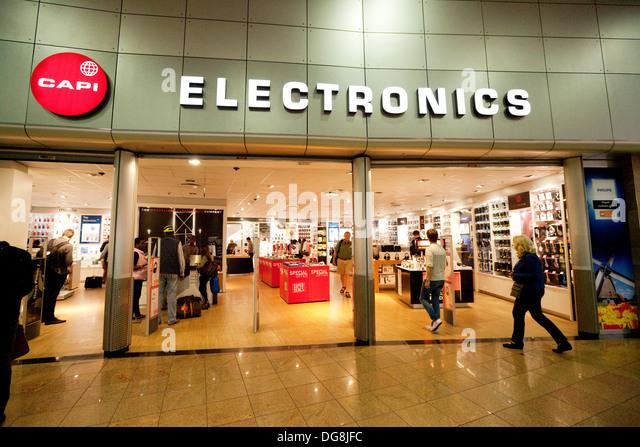CAPI Electronics speichern, Abflughalle Flughafen Johannesburg, Südafrika Stockbild