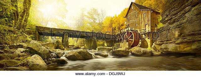Ein Blick auf eine Mahlgutmühle im Babcock State Park in West Virginia. Stockbild