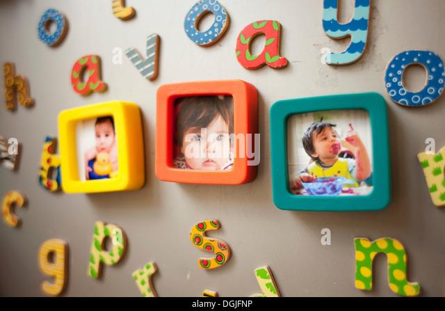 Kindheit-Fotografien und Bild an Wand - Stock-Bilder