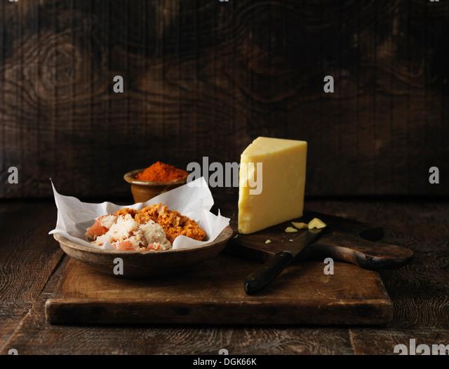 Zutaten für Orkney Krabben überbacken mit Cheddar-Käse und Cayennepfeffer Stockbild