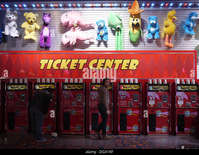 Ticket-Center im Inneren Entertainment Gaming-Komplex Stockbild