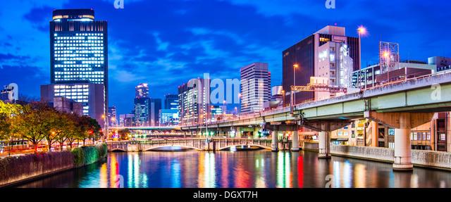 Blick auf den Fluss in Osaka, Japan. Stockbild
