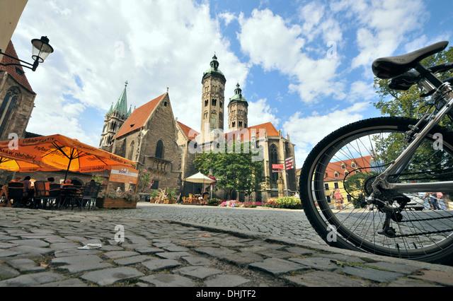 Platz an der Kathedrale St. Peter und Paul, Naumburg, Sachsen-Anhalt, Deutschland, Europa Stockbild