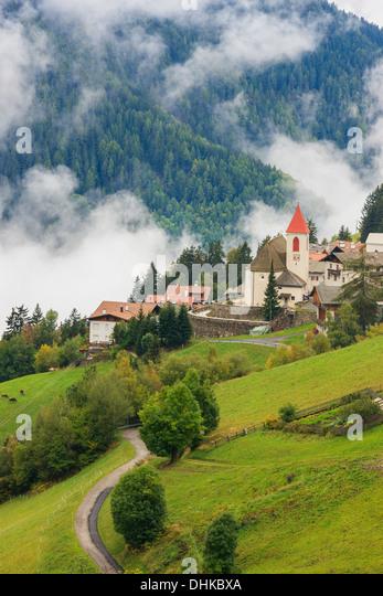 Afers gehört zu den kommunalen Stadt Brixen (Brixen) und befindet sich 15 km von der Stadt in Norditalien - Stock-Bilder