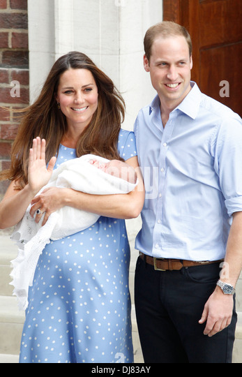 Catherine, Herzogin von Cambridge, Prinz William, Duke of Cambridge und ihren neugeborenen Sohn Prince George Stockbild