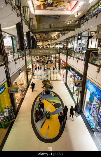 Alexa Shopping-Center, Interieur, Berlin Stockbild