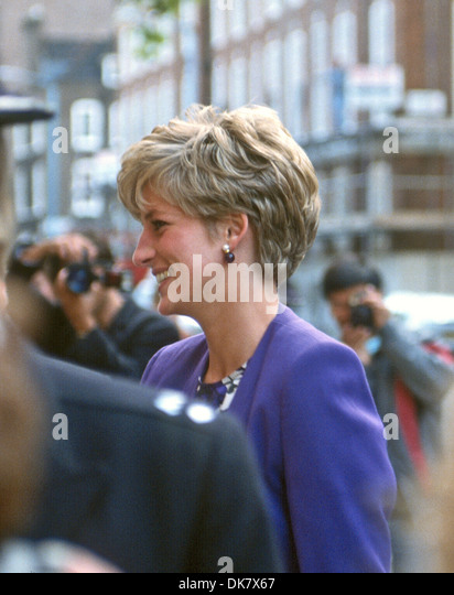 UK Prinzessin Diana besucht der Arts Council, Westminster London Stockbild