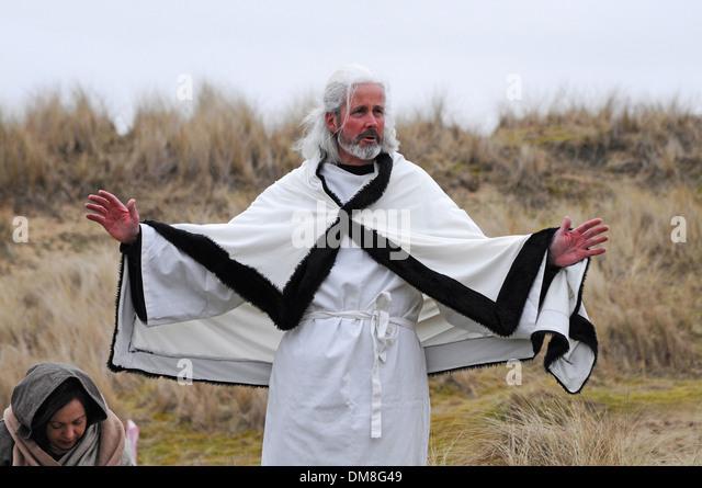 ein Schauspieler spielt St.Piran der Schutzpatronin der Bergleute Zinn während der jährlichen Feierlichkeiten Stockbild