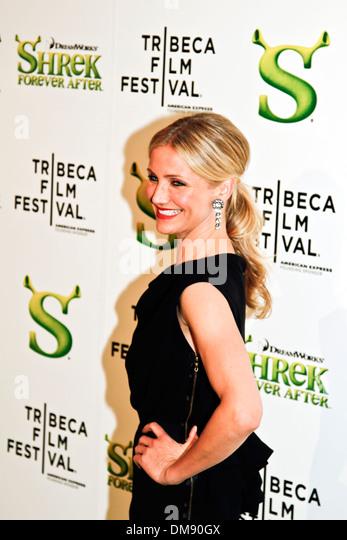 "NEW YORK, USA ? 21. April 2010: Cameron Diaz besucht die ""Shrek Forever After""-Premiere beim Tribeca Film Stockbild"