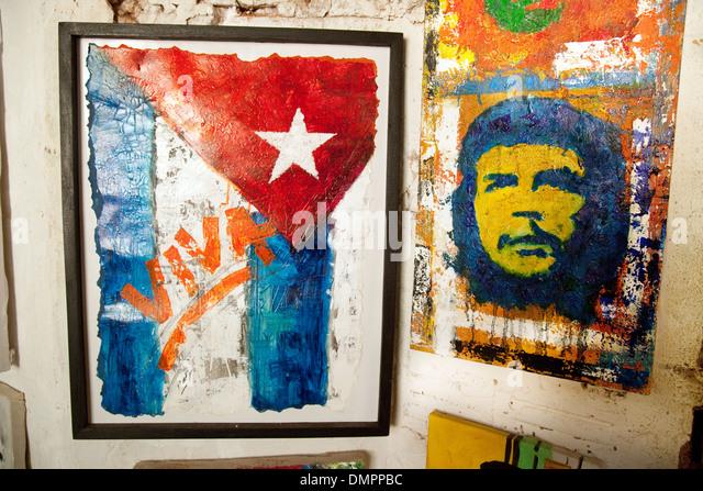 Bilder von der Revolution zeigt eine kubanische Flagge und Che Guevara, Trinidad, Kuba, Karibik, Lateinamerika Stockbild