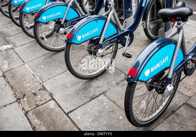 Boris Fahrräder - Bikes mit Sponsor Barclays Bank Zeichen zu mieten in London, UK Stockbild