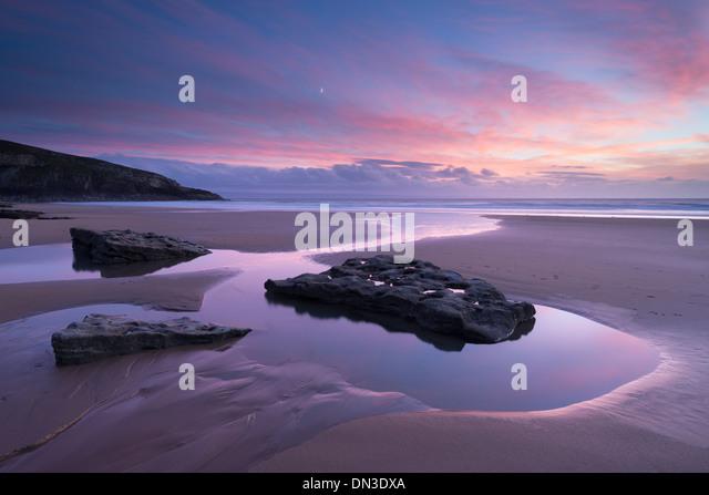 Schöner Sonnenuntergang über Dunraven Bay, Southerndown, Glamorgan Heritage Coast, Wales. Herbst (Oktober) - Stock-Bilder
