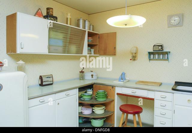 Wohnung im 50er Jahre Stil, Küche Stockbild