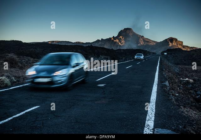 Teneriffa, Kanarische Inseln - Teide Nationalpark zum UNESCO-Weltkulturerbe Sonnenuntergang im November. TF-38 Autobahn. Stockbild