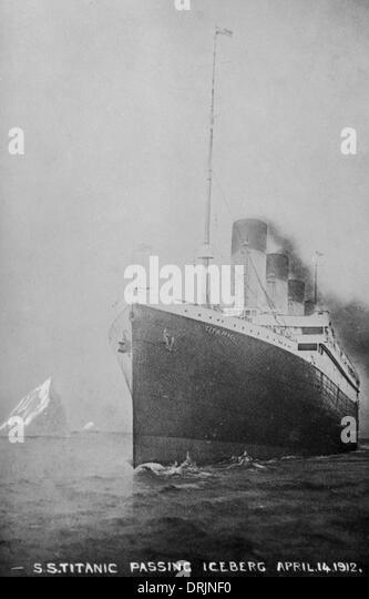RMS Titanic einen Eisberg auf 14. April 1912 sicher vorbei Stockbild