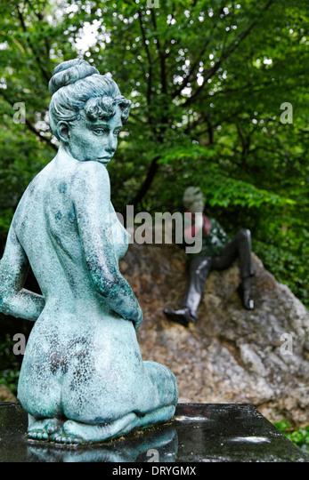 Statue von Oscar Wildes schwangere Frau Constance in Merrion Square Park, Dublin, Irland Stockbild