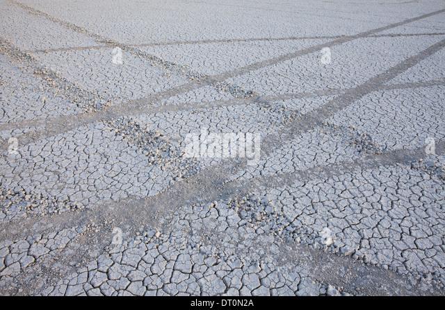 Black Rock Wüste Nevada USA Reifen markiert Spuren in der Playa Salzpfanne Oberfläche Stockbild