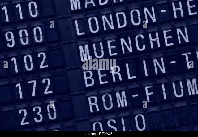 DEU, Deutschland, Frankfurt-Flughafen, Abflugzeiten Auf Anzeigetafel. Nur zur redaktionellen Verwendung. Stockbild