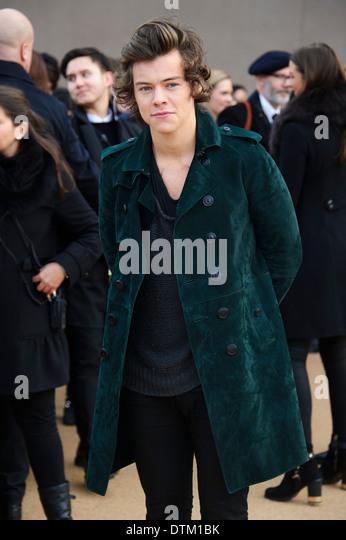 Harry Styles kommt für die Burberry Prorsum Womenswear-Kollektion. Stockbild