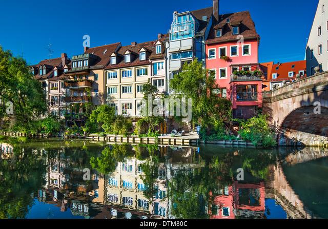 Auf dem historischen Fluss Pegnitz Nürnberg. Stockbild