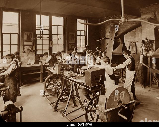 1920/30er Jahre Schule Metall Arbeiterklasse Stockbild