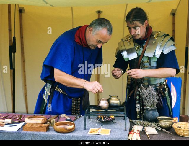 Roman Surgeon, 4. Jahrhundert, Reenactment Soldat Soldaten England UK Stockbild
