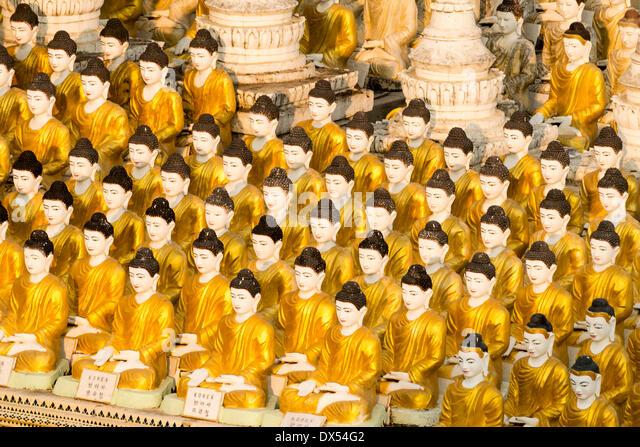 Kleine sitzende Buddha-Figuren, Sakkya Aung Pagode, Maha Bodhi Ta Hropeng, Monywa, Sagaing Division, Myanmar Stockbild