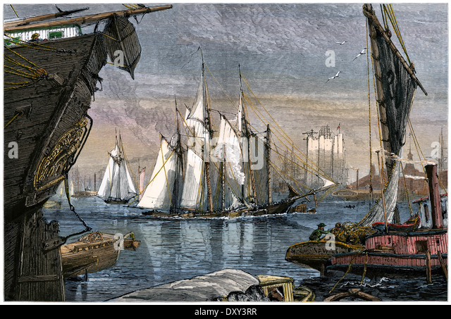 East River Schiffsverkehr im Hafen von New York, 1880 s. Stockbild