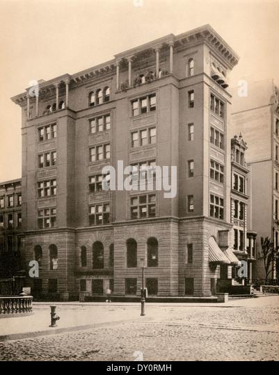 Neue amerikanische Safe Firmengebäude auf der Fifth Avenue bei 42nd Street, McKim Mead & weiß, Architects, Stockbild