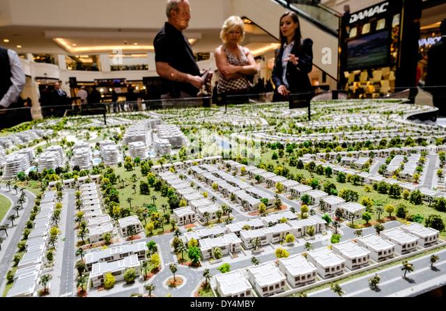 Modell der neuen Luxus-Wohnsiedlung im Akoya Park ein Trump Immobilieninvestitionen in Dubai Vereinigte Arabische Stockbild