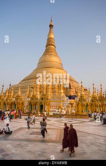 Myanmar Burma Asien Shwedagon Yangon Rangun Architektur Buddha Buddhismus sauber bunte Goldene Pagode friedlichen Stockbild