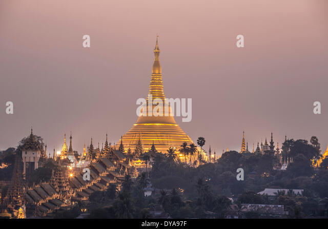 Myanmar, Burma, Asien, Yangon, Rangun, Shwedagon, Pagode, Religion, Golden, Wahrzeichen, Abend Stockbild