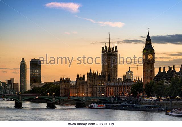 Sonnenuntergang Skyline von Big Ben und die Houses of Parliament in London. Stockbild