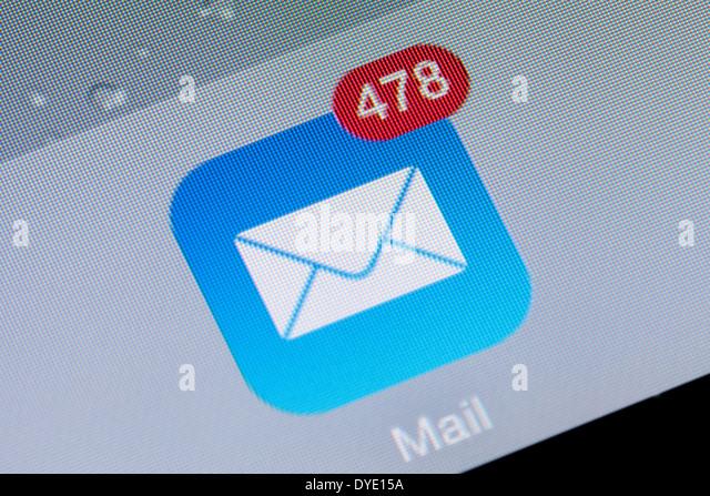 Nahaufnahme von einer e Mail app Symbol Logo-Posteingang auf einem iPad, UK Stockbild