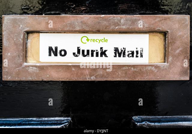 """""""Keine Junk-Mail"""" Aufkleber am Briefkasten Tür, London, UK Stockbild"""