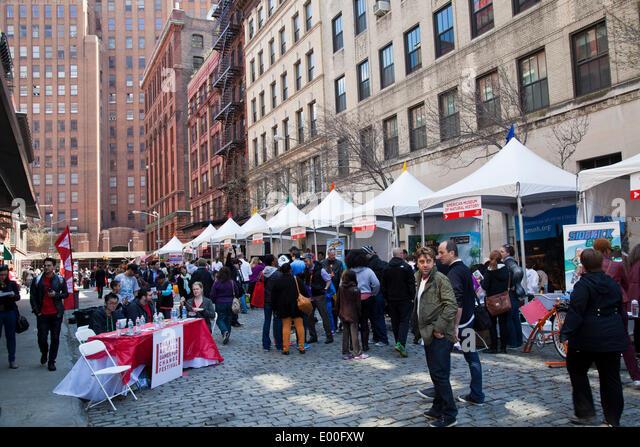 New York, USA. 27. April 2014. Straßenszene auf dem TriBeCa Familie Festival im Rahmen des TriBeCa Film Festival, Stockbild
