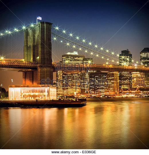 Nacht-Skylines in NEW YORK CITY Stockbild