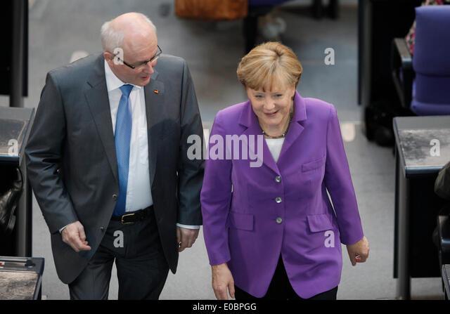 Berlin, Deutschland. 8. Mai 2014. 33. Sitzung des Deutschen Bundestages - erste Beratung des Entwurfs eines Gesetzes Stockbild