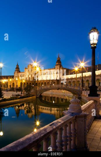Kanal und Brücke, Plaza de Espana, Sevilla, Spanien Stockbild